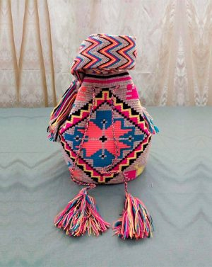 Mochila colorida - bolsoswayuu.com.co