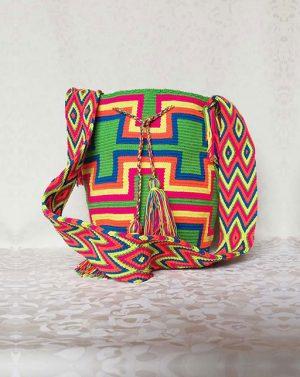 Mochila wayuu en horma de h colores vivos - bolsoswayuu.com.co